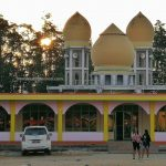 Stadion Baning, backpackers, destination, Borneo, Indonesia, ethnic, native, Obyek wisata, Tourism, tourist attraction, travel guide, cross border, 印尼新钉, 婆羅洲西加里曼丹, 清真寺