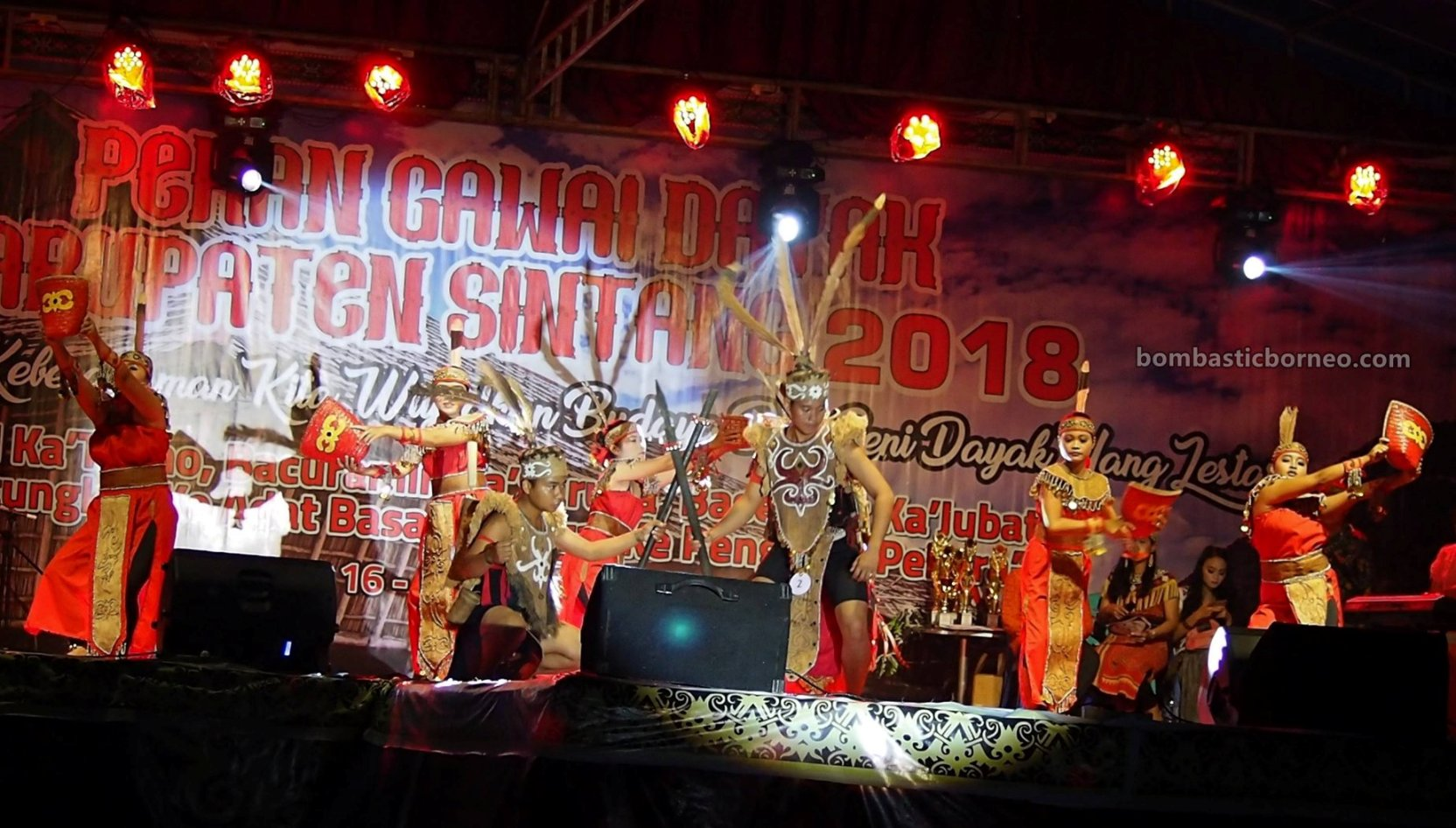 Gawai Dayak, paddy harvest festival, authentic, traditional, indigenous, cultural dance, native, tribal, tribe, Tourism, tourist attraction, travel guide, trans Borneo, 婆罗洲原住民, 印尼西加里曼丹, 传统文化舞蹈