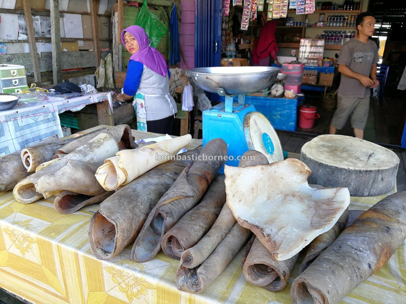 Pasar Flamboyan, Sungai, Kapuas river, fish, Gawai Dayak, Ethnic, Kalimantan Barat, Obyek wisata, Tourism, travel guide, Trans Border, stingray, 婆罗洲游踪, 西加里曼丹海鲜市场