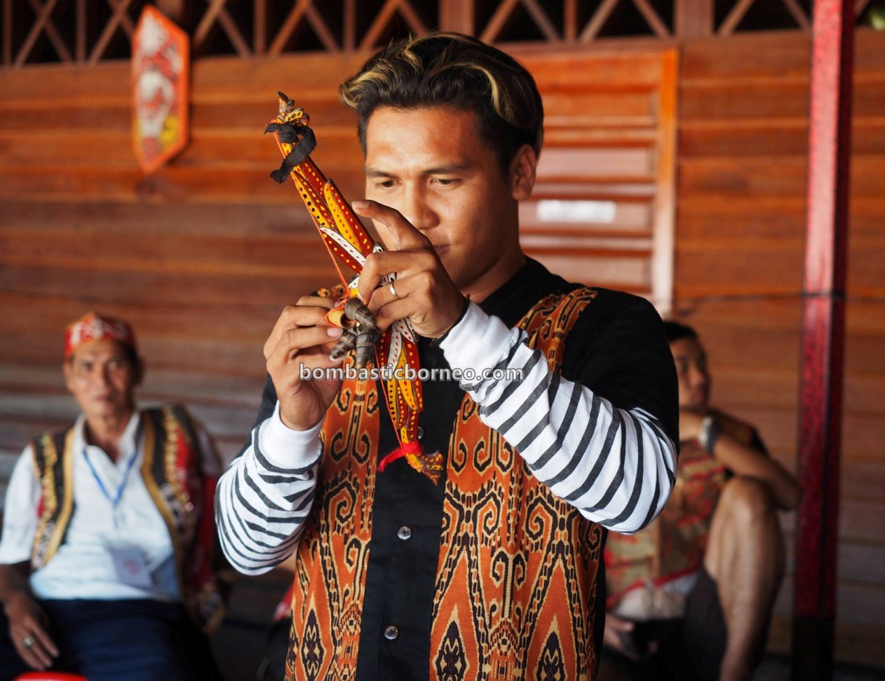 Pasar Flamboyan, river, native market, authentic, traditional, destination, Gawai Dayak, Borneo, Obyek wisata, Tourism, tourist attraction, travel guide, Cross Border, 印尼西加里曼丹, 塞卡道旅游景点,