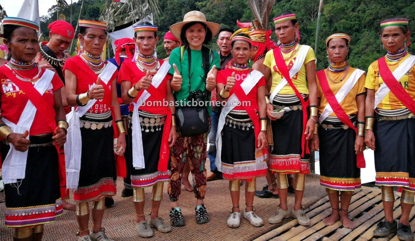 Gumbang Village, Gawai Serumpun, Dayak Bidayuh, paddy harvest festival, indigenous, backpackers, Sarawak, Malaysia, budaya, copper ring lady, native, tribe, Tourism, travel guide, trans borneo, West Kalimantan,