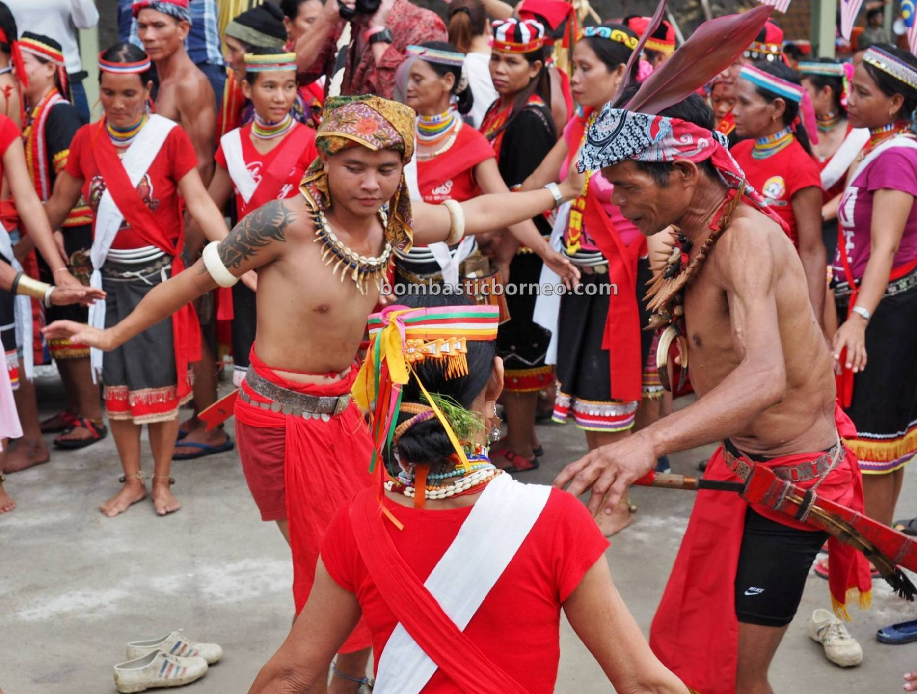 Kampung Gumbang, Gawai Serumpun, Dayak Bidayuh, paddy harvest festival, authentic, traditional, backpackers, Kuching, Sarawak, culture, native, tribe, Tourist attraction, travel guide, trans borneo,