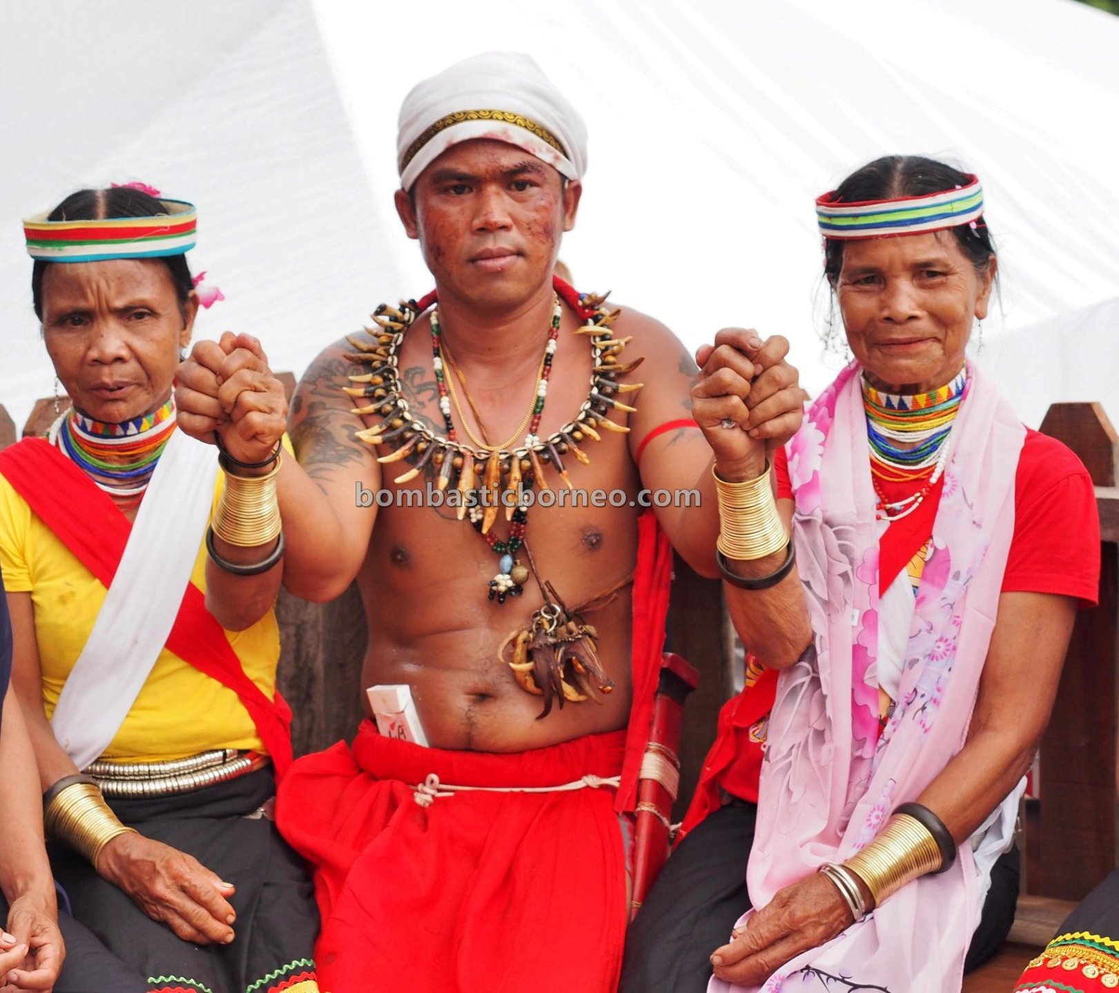 Gumbang Village, Gawai Serumpun, Dayak Bidayuh, paddy harvest festival, authentic, indigenous, Borneo, Kuching, Sarawak, West Kalimantan, budaya, copper ring lady, native, Tourism, travel guide, cross border,