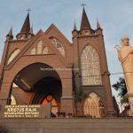 Gereja Katedral Katolik Kristus Raja Sintang, Christ the King Cathedral, backpackers, destination, Borneo, Obyek wisata, Tourism, tourist attraction, travel guide, cross border, 婆罗洲游踪, 印尼西加里曼丹, 新党天主教教堂