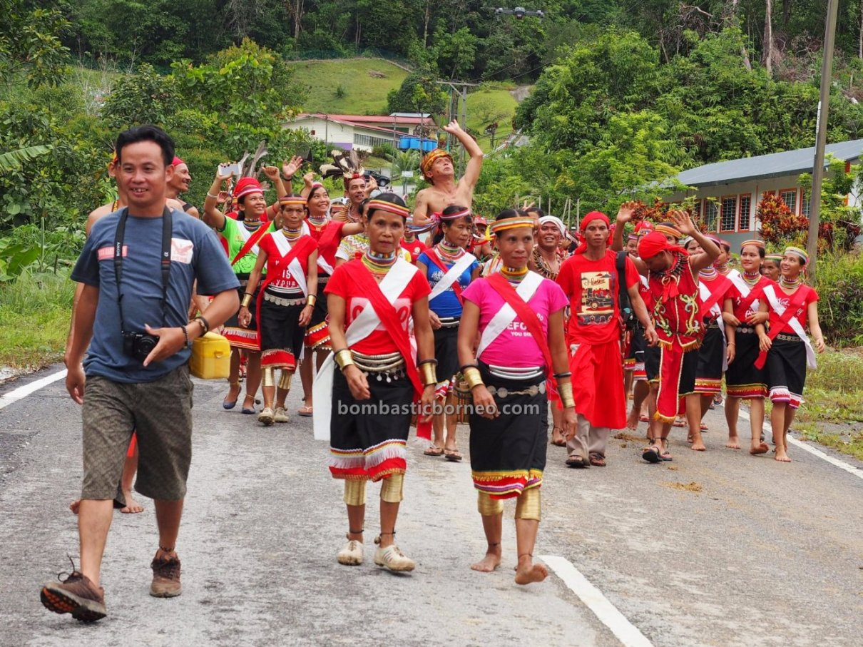 harvest festival, authentic, traditional, Borneo, Kuching, culture, copper ring lady, native, tribal, travel guide, cross border, 婆罗洲砂拉越, 原住民丰收节日, 传统达雅文化, Sungkung Anep, Kalimantan Barat