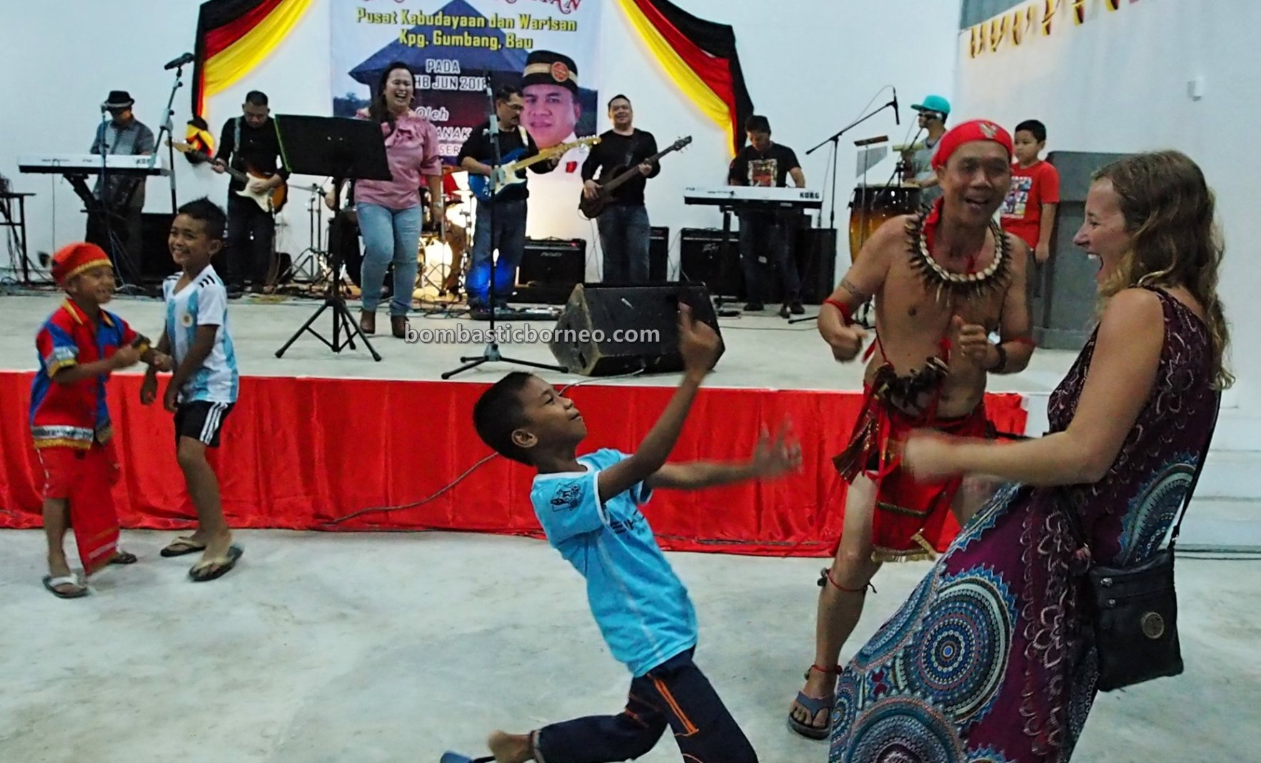Dayak Bidayuh, thanksgiving, backpackers, destination, Borneo, Kuching, Malaysia, culture, event, Ethnic, native, Tourism, travel guide, 婆罗洲游踪, 砂拉越达雅丰收节日