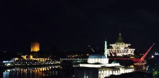 Floating Mosque, Masjid Terapung, Masjid India Bandar Kuching, DUN, India Mosque, Indian Muslim, destination, Darul Hana Bridge, Obyek Wisata, tourist attraction, travel guide, Trans Border, 婆罗洲游踪, 砂拉越河滨公园, 马来西亚旅游景点
