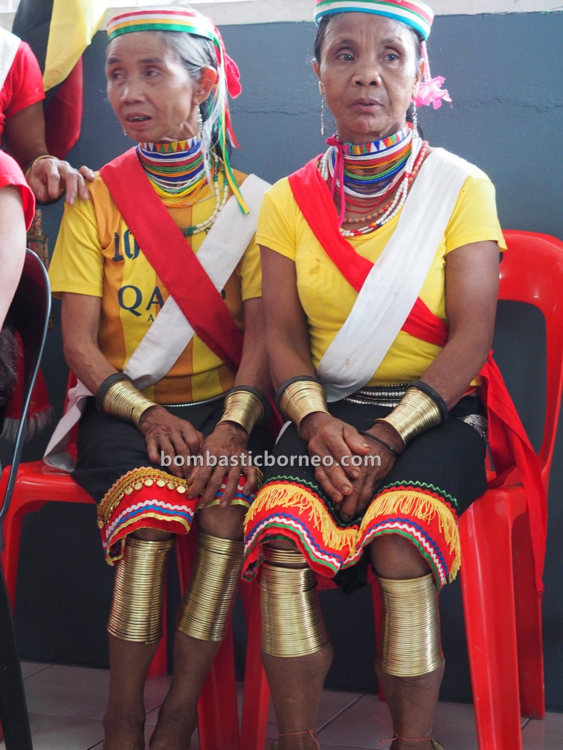 Kampung Gumbang, Gawai Serumpun, Dayak Bidayuh, thanksgiving, indigenous, Sarawak, Malaysia, culture, Ethnic, native, Tourist attraction, travel guide, trans borneo, 婆罗洲铜环女游踪, 砂拉越达雅丰收节日, Sungkung Medeng,