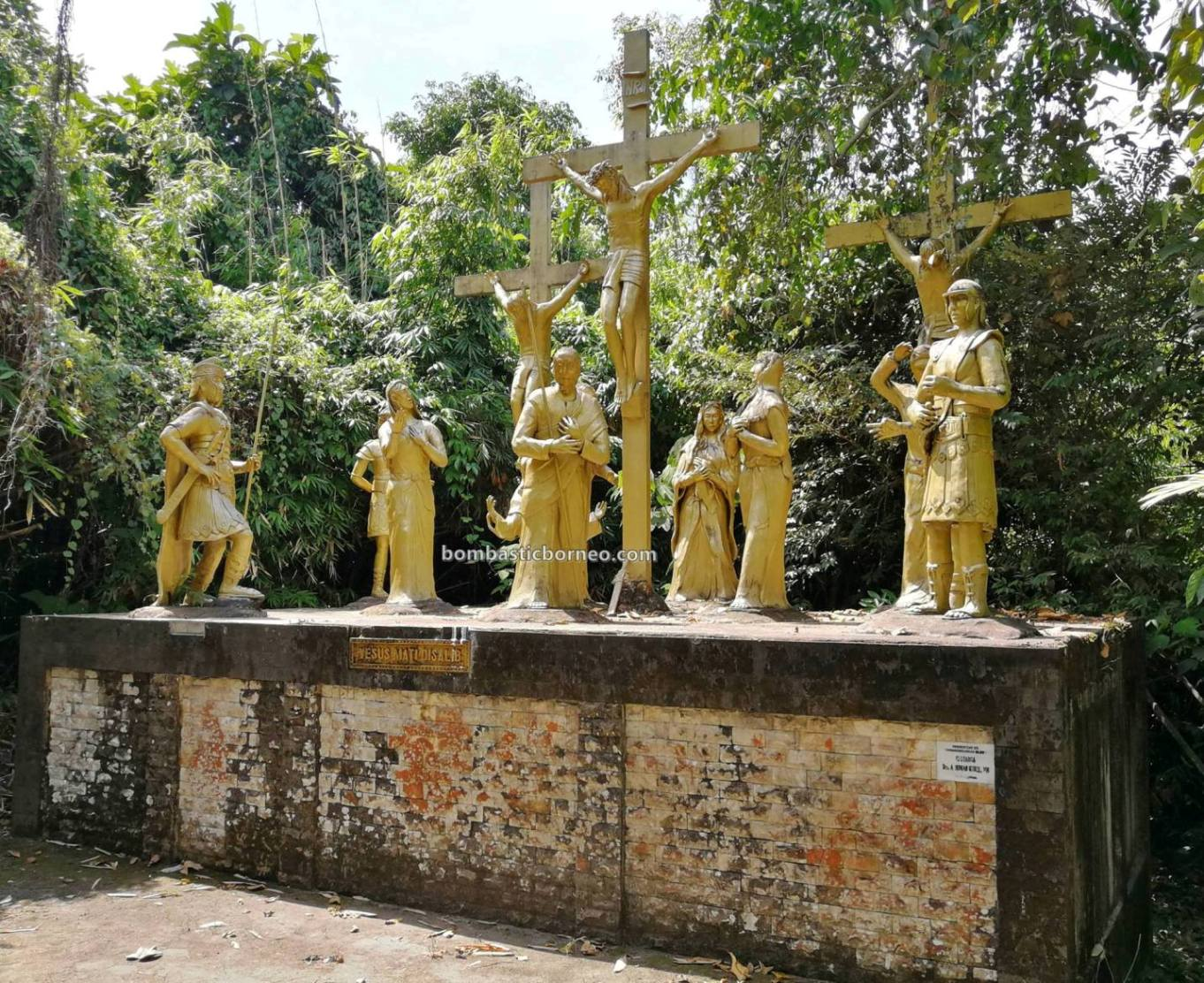 Gua Maria Bukit Kelam, Kelam hill, Virgin Mary Grotto, katolik, adventure, Borneo, backpackers, Sintang, Indonesia, Kalimantan Barat, tourist attraction, Tourism, Travel guide, Cross Border, 新钉旅游景点,