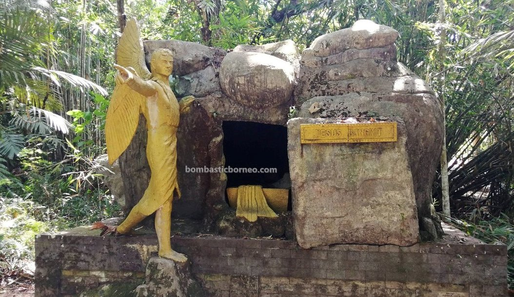 Kelam hill, Mother Mary Grotto, catholic, katolik, backpackers, destination, Borneo, Indonesia, Kalimantan Barat, Obyek wisata, Tourism, Travel guide, 婆罗洲游踪, 圣母玛利亚石窟, 印尼西加里曼丹,