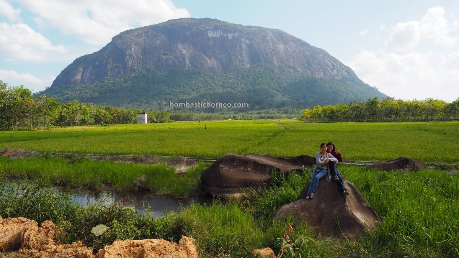 monolith, Bukit Kelam, Mountain, batu raksasa, Black Rock, adventure, nature, destination, Desa Merpak, Kelam Permai, Tourism, tourist attraction, Trans Borneo, 婆罗洲独块巨石, 印尼西加里曼丹, 新党旅游景点