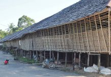 authentic, tribal village, indigenous, destination, Indonesia, Kalimantan Barat, Dusun Rentap Selatan, native, tribe, Obyek wisata, Tourism, Travel guide, Trans Borneo, 婆罗洲传统长屋, 印尼西加里曼丹, 新党旅游景点