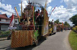 Gawai Parade, Suku Dayak Kapuas Hulu, thanksgiving, budaya, Indonesia, West Kalimantan, Putussibau, ethnic, indgenous, native, tribe, tourist attraction, Tourism, travel guide, 印尼原住民达雅丰收节