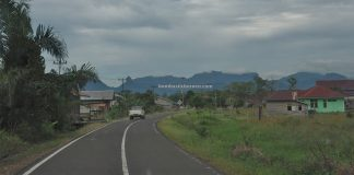 drive, backpackers, Kapuas Hulu, Putussibau, Obyek wisata, tourist attraction, Travel Guide, Trans Border, 跨境婆罗洲游踪, 印尼西加里曼丹富都