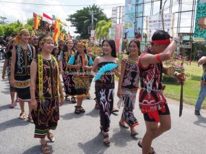 event, Kapuas Hulu, Paddy harvest festival, culture, Kalimantan Barat, backpackers, native, indigenous, Suku Dayak, tourist attraction, travel guide, Trans Borneo, 探索婆罗洲游踪, 印尼西加里曼丹, 富都原住民文化