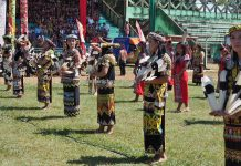 Kapuas Hulu, Paddy harvest festival, culture, Kalimantan Barat, destination, native, tribe, Suku Dayak, tourist attraction, travel guide, Borneo, Trans Border, 婆罗洲西加里曼丹, 卡普阿斯胡卢原住民, 达雅部落丰收节日