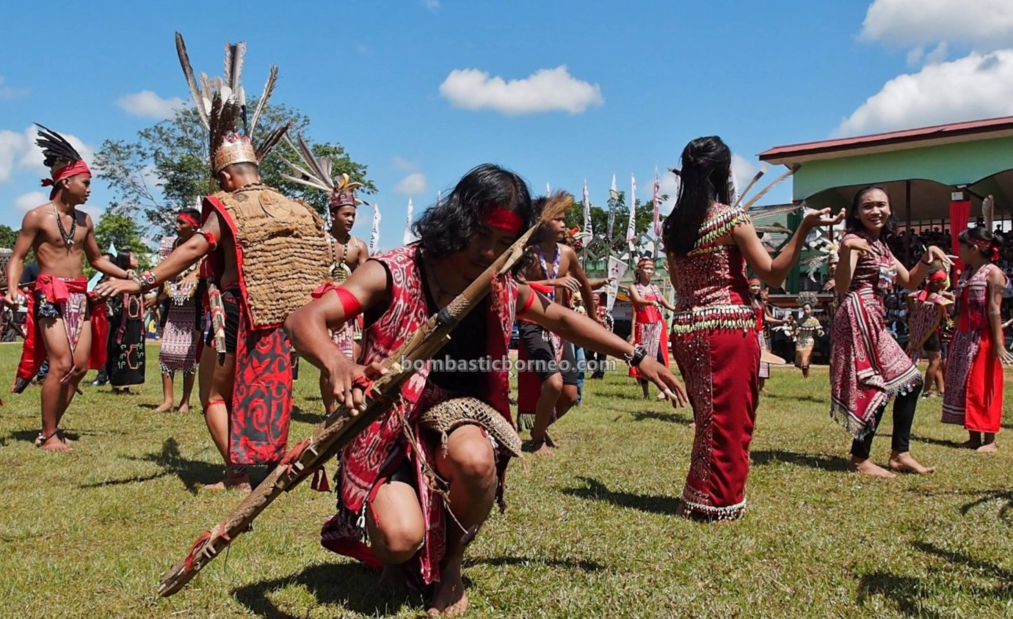Kapuas Hulu, Paddy harvest festival, traditional, Indonesia, destination, indigenous, native, tribe, Obyek wisata, Tourism, Borneo, Cross Border, 跨境婆罗洲游踪, 印尼甘布安斯乌鲁, 富都原住民丰收节