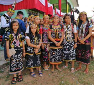 Kapuas Hulu, traditional, Indonesia, Kalimantan Barat, Putussibau, destination, indigenous, tribe, tribal, Suku Dayak, native, tourist attraction, travel guide, 跨境婆罗洲原住民文化, 印尼西加里曼丹富都,
