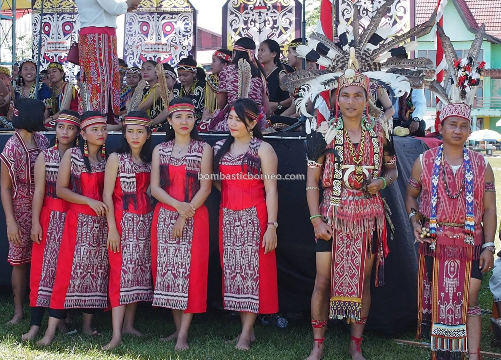 Harvest festival, authentic, budaya, Putussibau, backpackers, native, tribal, Suku Dayak, Obyek wisata, travel guide, Borneo, Cross Border, 探索婆罗洲游踪, 印尼西加里曼丹, 富都原住民文化