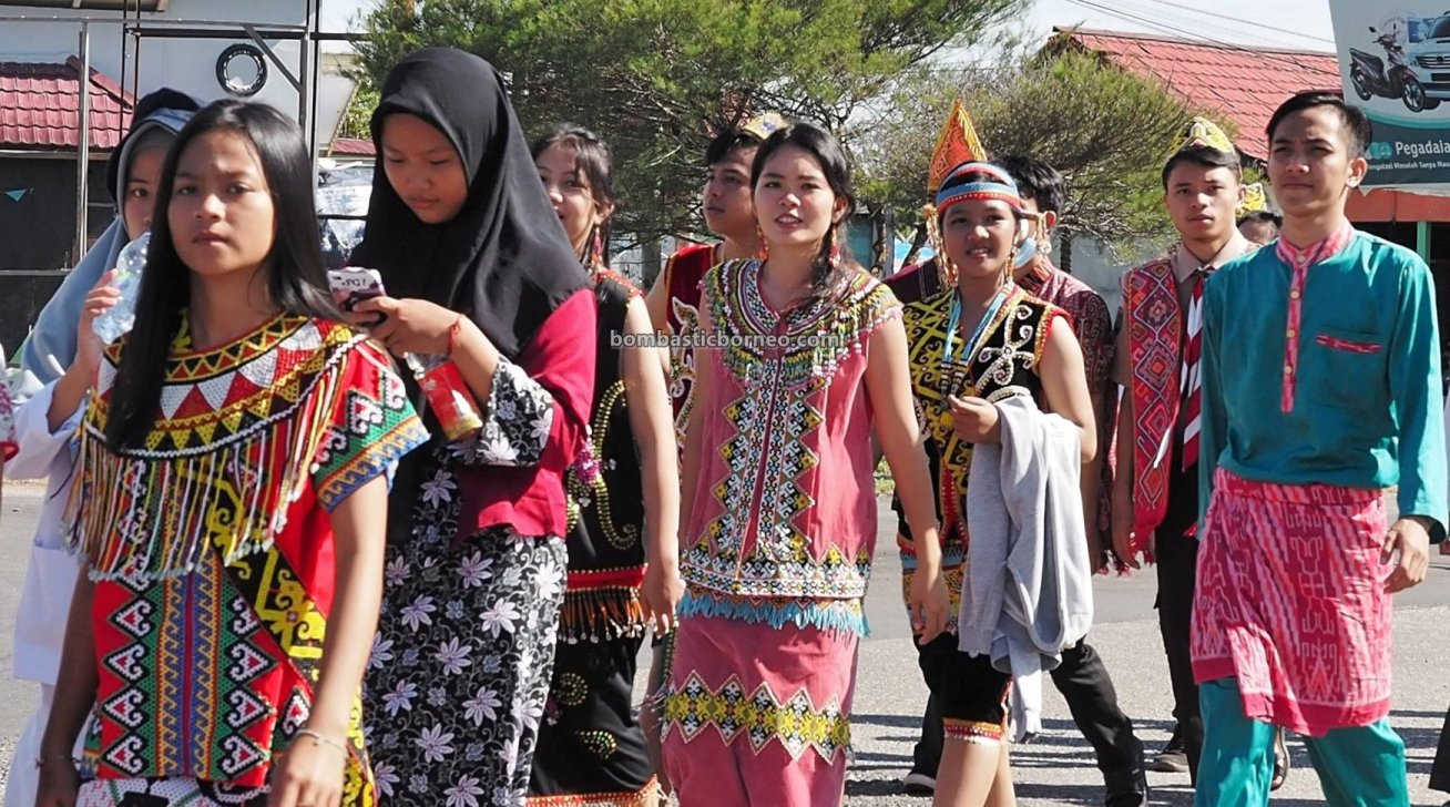 ethnic, etnis, event, National Children Day, Borneo, Kapuas Hulu, Obyek wisata, Tourism, tourist attraction, Travel Guide, Cross Border, 探索婆罗洲游踪, 印尼西加里曼丹富都