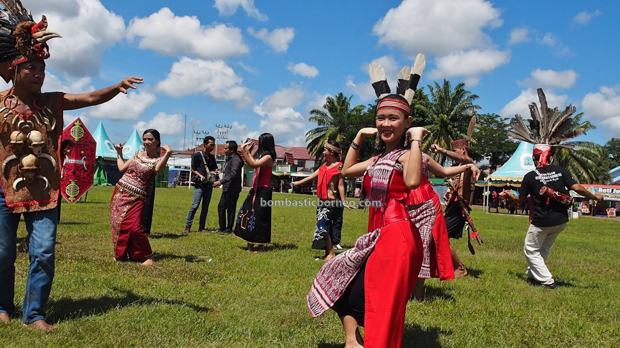 Gawai Dayak Kapuas Hulu, harvest festival, authentic, tribal, event, destination, Ethnic, native, Tourism, tourist attraction, travel guide, Trans Borneo, 跨境婆罗洲游踪, 印尼西加里曼丹, 富都土著文化旅游