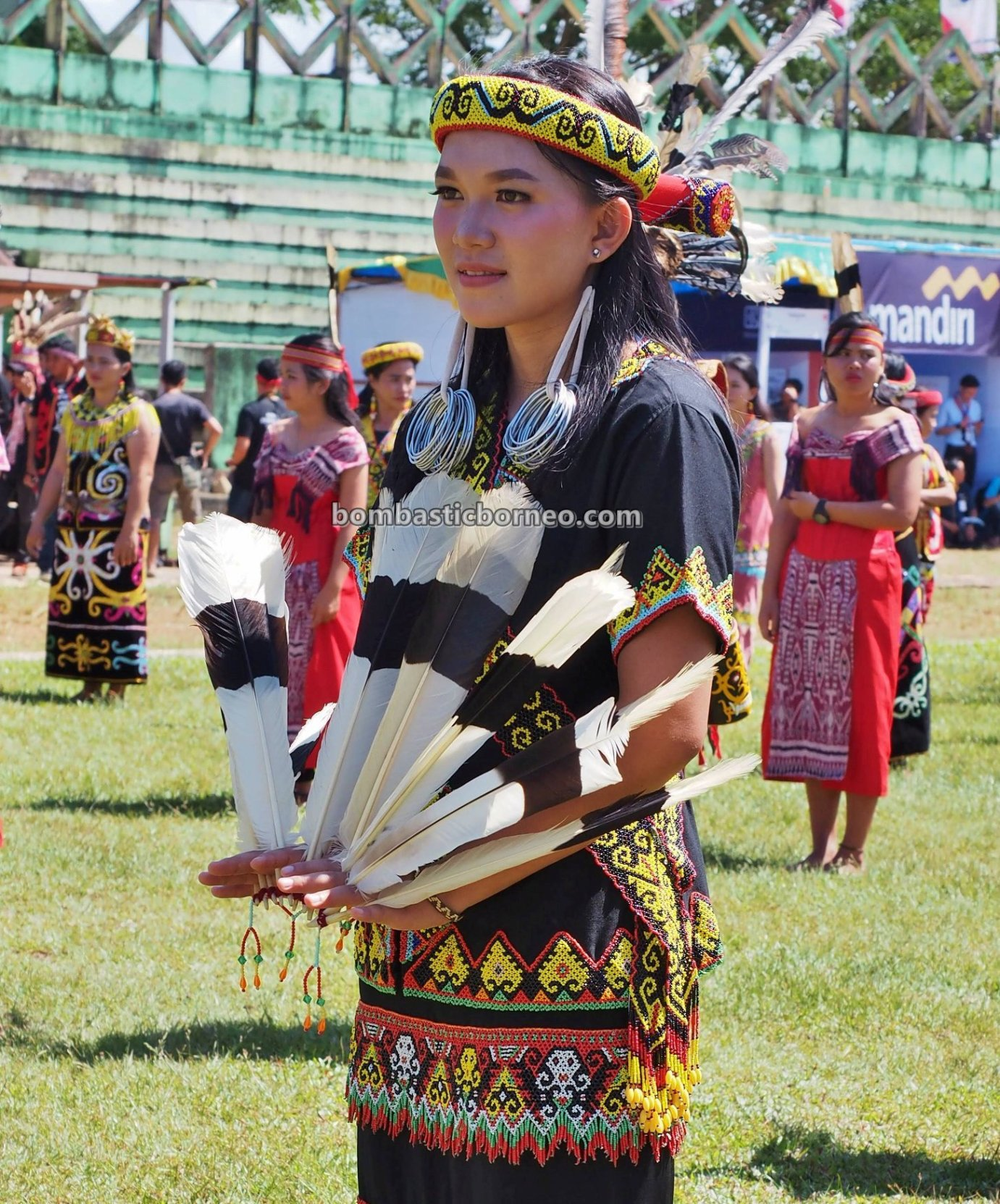 Gawai harvest festival, traditional, culture, Indonesia, Putussibau, indigenous, tribal, Suku Dayak, Tourism, travel guide, Borneo, Cross Border, 探索婆罗洲文化, 印尼西加里曼丹, 达雅克丰收节日
