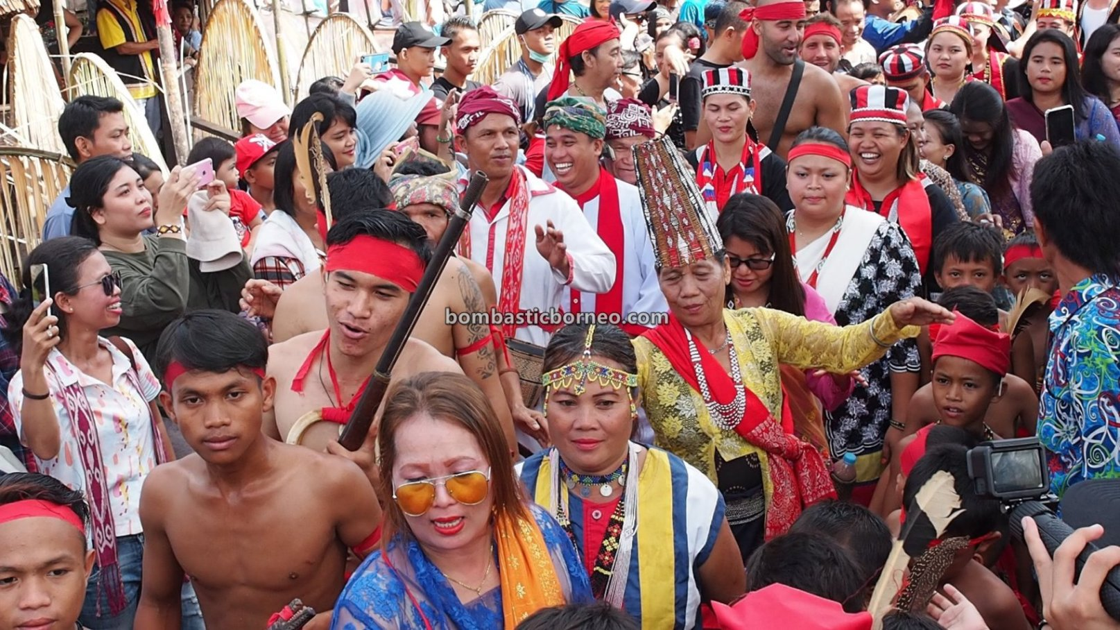 Harvest Festival, traditional, Bengkayang, Kalimantan Barat, Siding, Indigenous, native, tribal, wisata budaya, Tourism, travel guide, Trans Border, Borneo, 印尼西加里曼丹, 原住民传统丰收节. 婆罗洲比达友部落