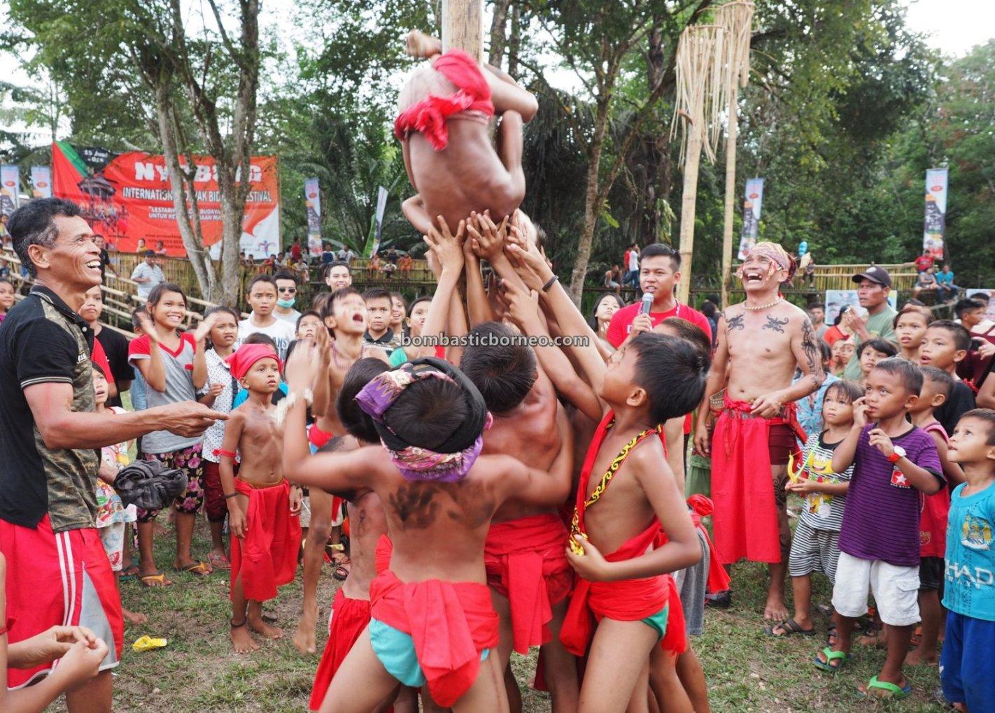 Nyobeng Sebujit, Gawai Harvest Festival, authentic, backpackers, event, Indonesia, Desa Hli Buei, Siding, ethnic, tribe, Tourist attraction, travel guide, Trans Borneo, 印尼西加里曼丹, 原住民传统丰收节. 婆罗洲比达友部落