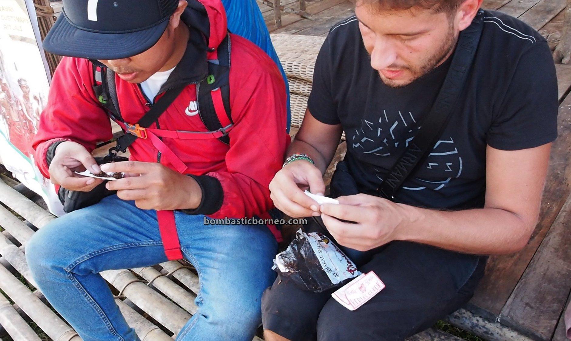 Nyobeng Sebujit, Gawai Harvest Festival, village, budaya, event, Bengkayang, Indonesia, Desa Hli Buei, Siding, Ethnic, native, Obyek wisata, Tourism, travel guide, Cross Border, Borneo