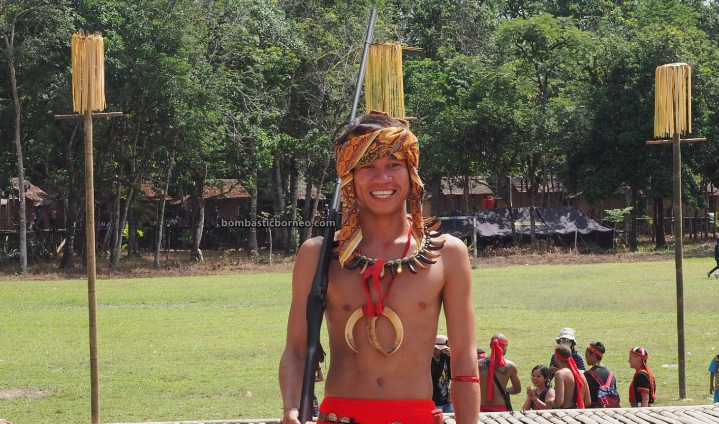 Nyobeng Sebujit, Gawai padi, traditional, village, culture, event, Desa Hli Buei, Dayak Bidayuh, tribe, Tourism, tourist attraction, travel guide, Trans Borneo, 婆罗洲原住民文化, 探索印尼西加里曼丹, 比达友族丰收节日