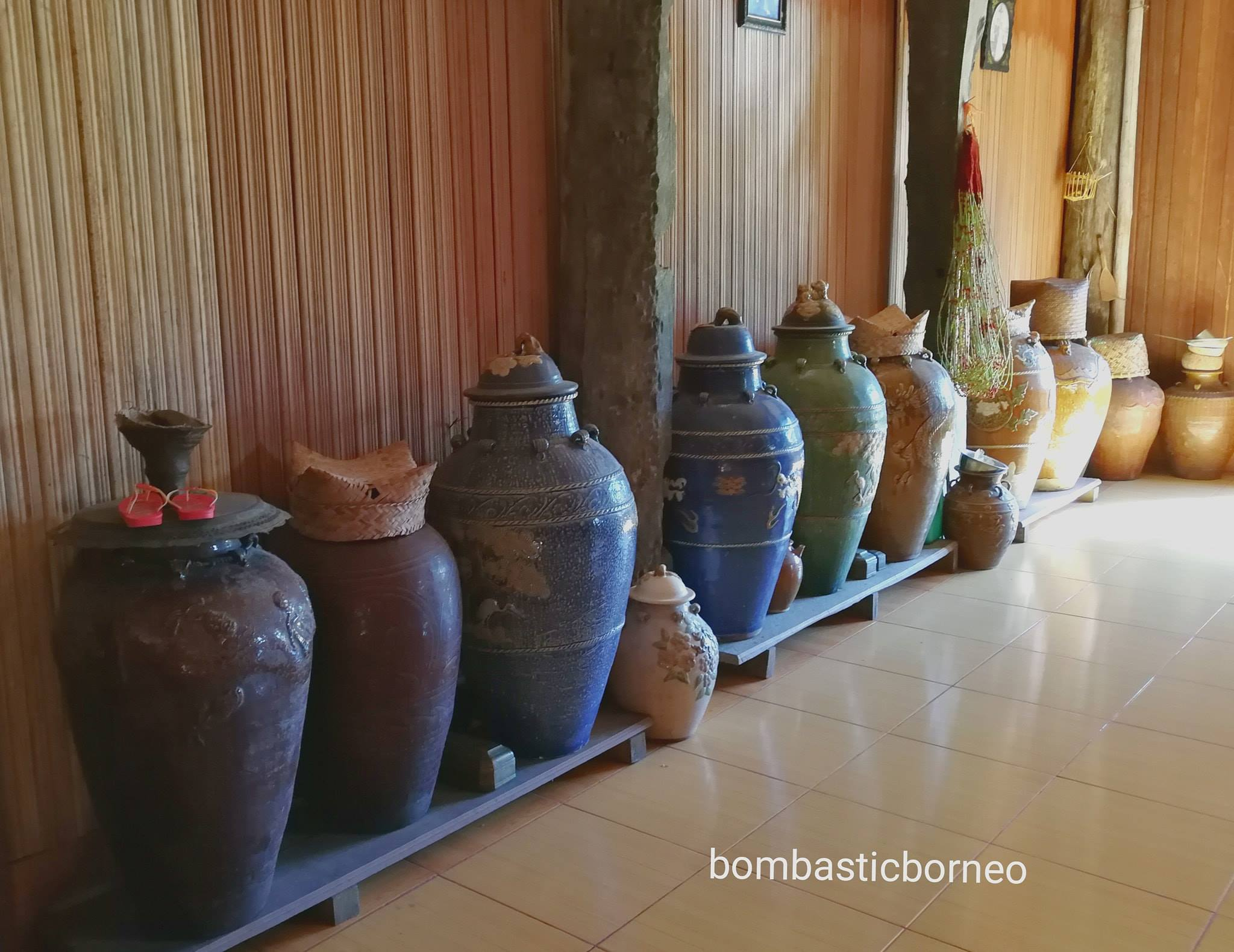 Rumah Betang Sungai Utik, traditional, village, Embaloh Hulu, authentic, Suku Dayak Iban, native, tribal, Tourism, travel guide, trans border, Borneo, 印尼西加里曼丹, 甘布安斯乌鲁, 原住民土著村庄,