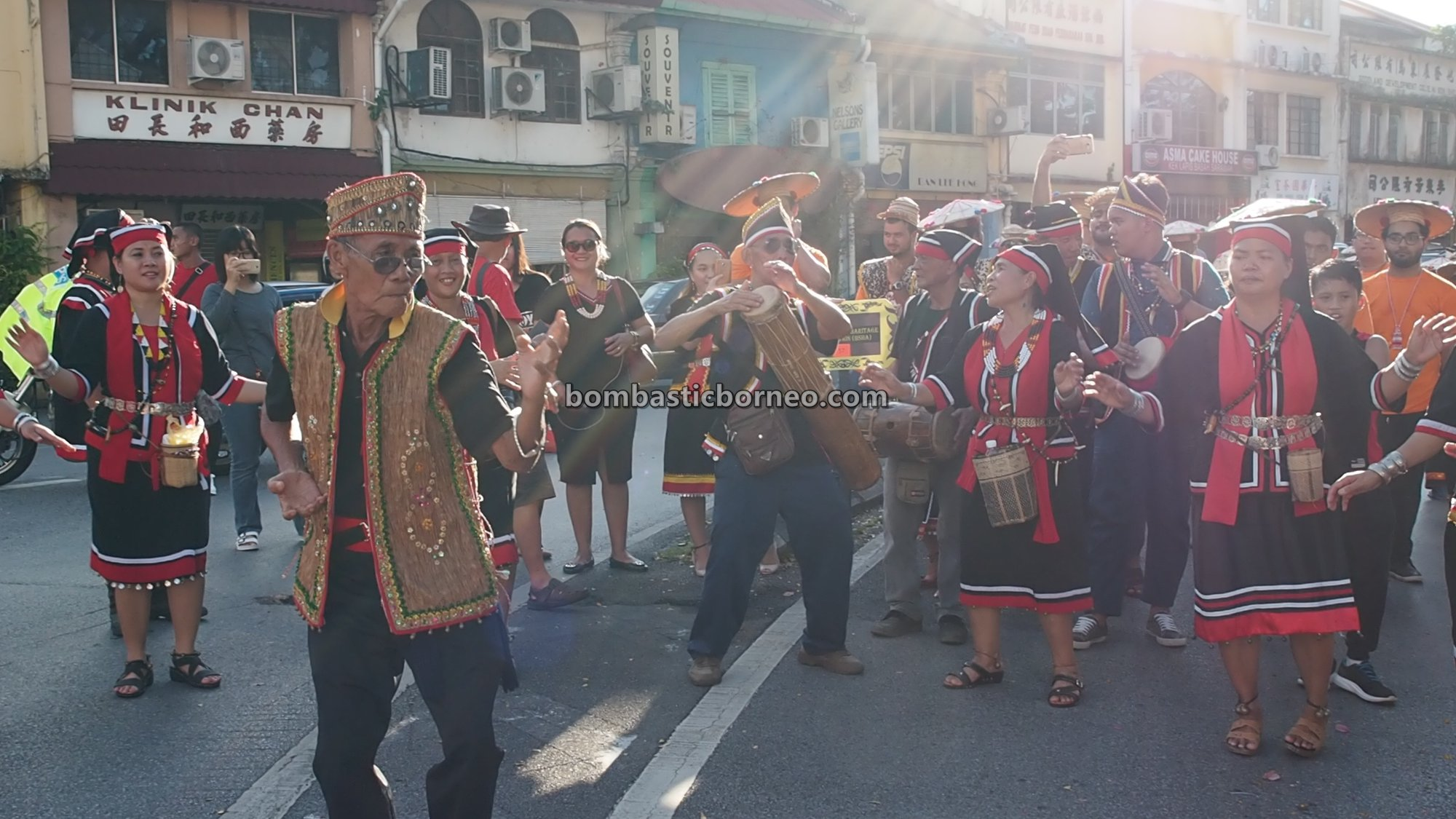 Gawai Dayak Bidayuh, Street Parade, authentic, culture, Kuching Waterfront, Malaysia, indigenous, native, tribe, tourist attraction, Travel guide, Trans Border, 探索婆罗洲游踪, 砂拉越原住民达雅, 古晋比达友丰收节