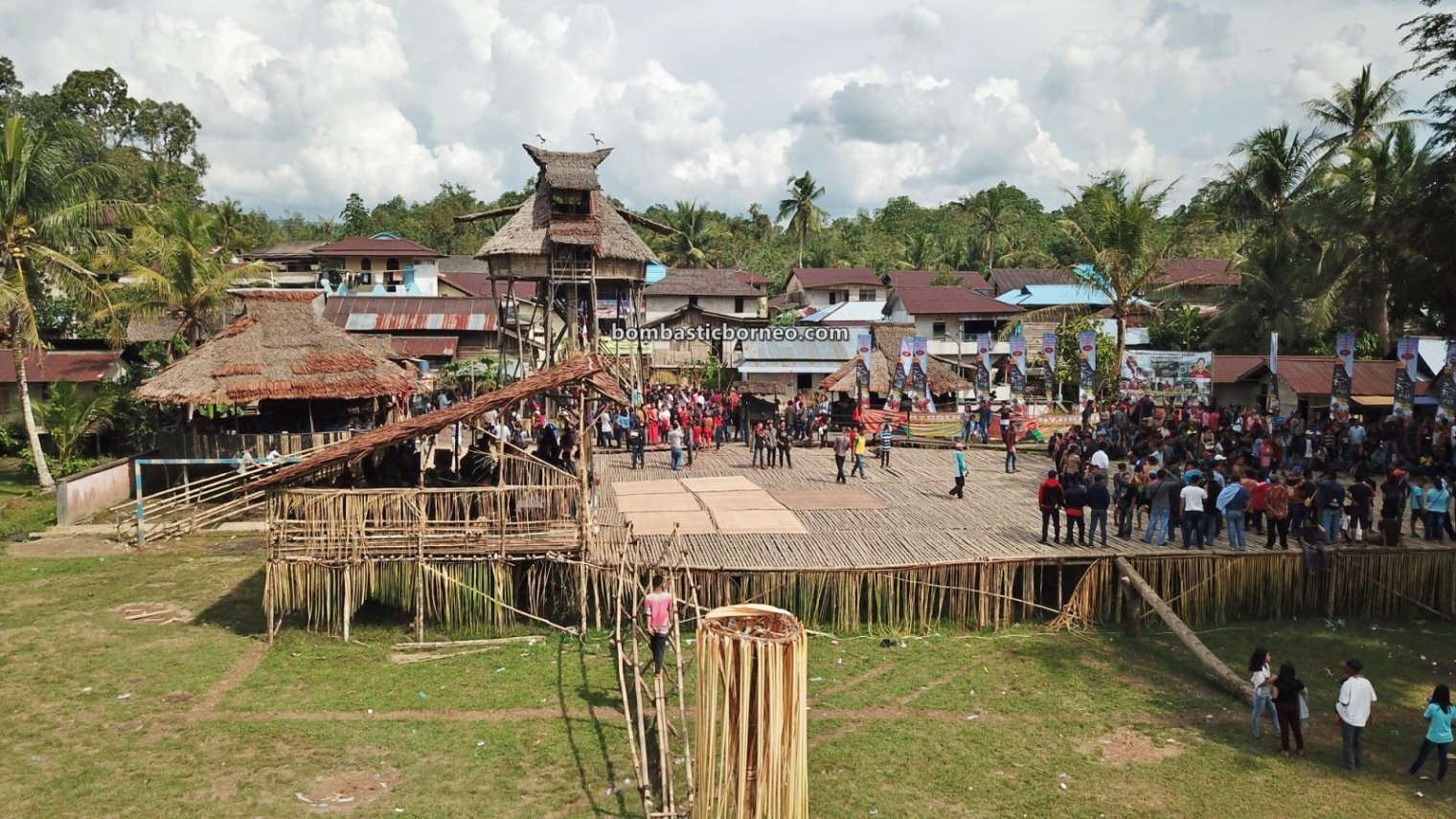 Gawai Harvest Festival, traditional, village, West Kalimantan, Desa Hli Buei, Siding, Dayak Bidayuh, native, skull house, Tourism, tourist attraction, travel guide, Cross Border, 跨境婆罗洲游踪, 印尼达雅克丰收节, 西加里曼丹比达友族