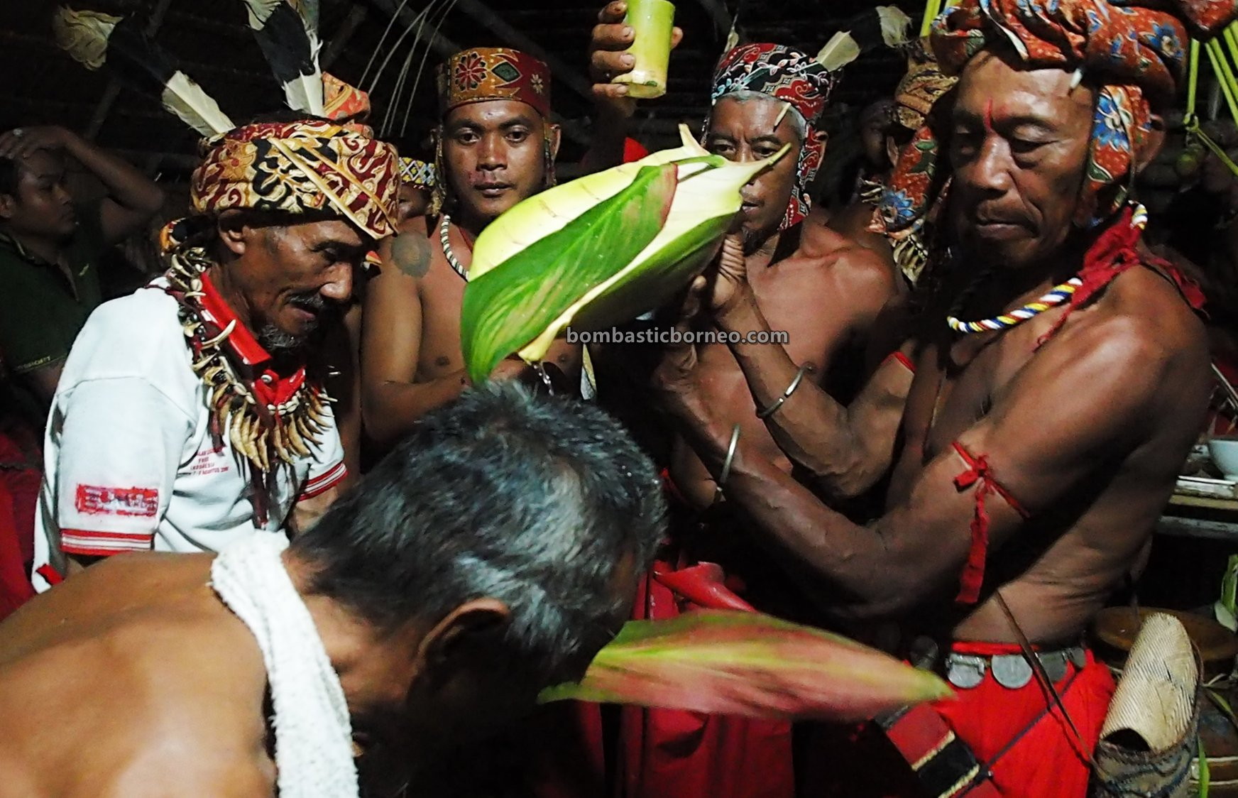 Nyobeng Gawai, Harvest Festival, authentic, backpackers, culture, ritual, West Kalimantan, native, tribal, wisata budaya, Tourism, travel guide, Trans Borneo, 西加里曼丹土著部落, 印尼比达友丰收节日, 婆罗洲原住民文化