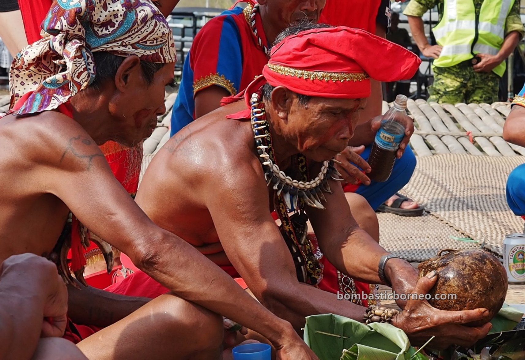 Pesta Nyarok Biya, Bengoh Dam Resettlement Scheme, adat, authentic, traditional, Ceremony, ritual, event, dayak bidayuh, tribal, Borneo, Malaysia, cross border, 探索婆罗洲游踪, 砂拉越达雅丰收节日, 比达友族文化,