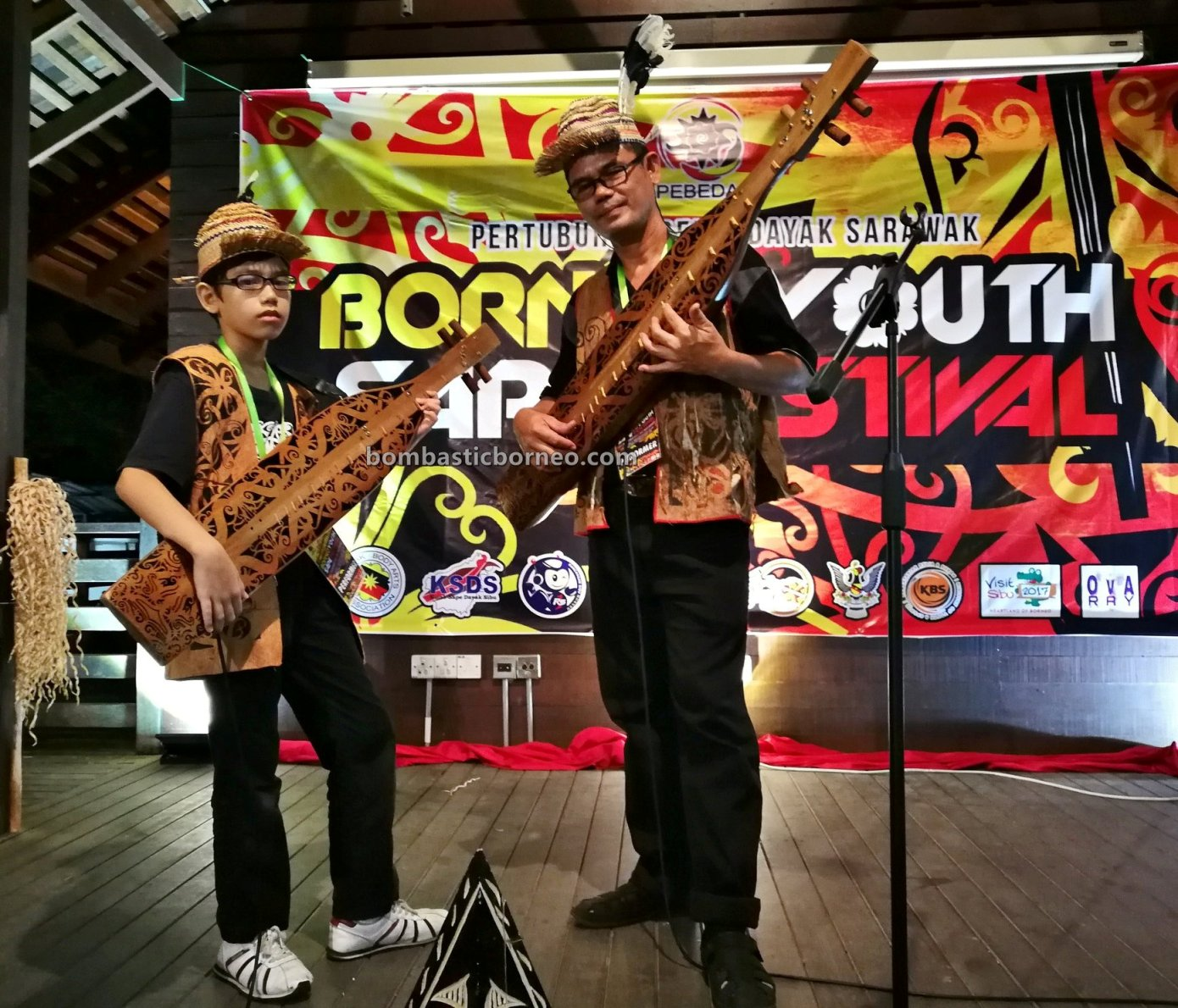 guitar, Youth Sape Festival, authentic, traditional, culture, event, Ethnic, native, orang ulu, Sibu, Tourism, tourist attraction, travel guide, 婆罗洲原住民沙贝, 砂拉越达雅吉他