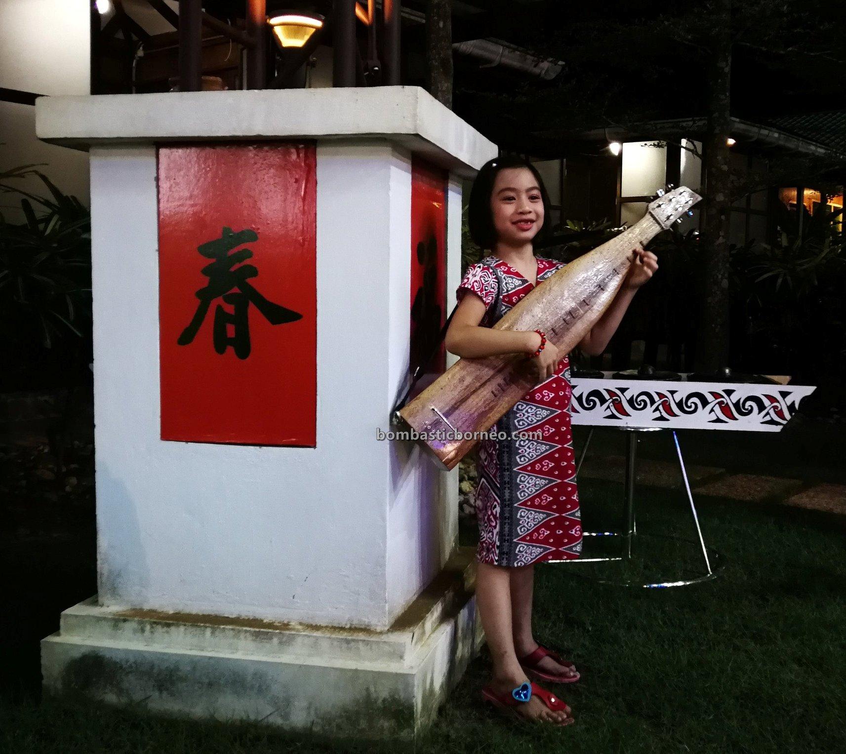 Borneo guitar, authentic, traditional, event, Ethnic, native, tribe, orang ulu, musical instrument, Sibu, One Malaysia Cultural Village, tourist attraction, 砂拉越原住民音乐, 马来西亚沙贝吉他