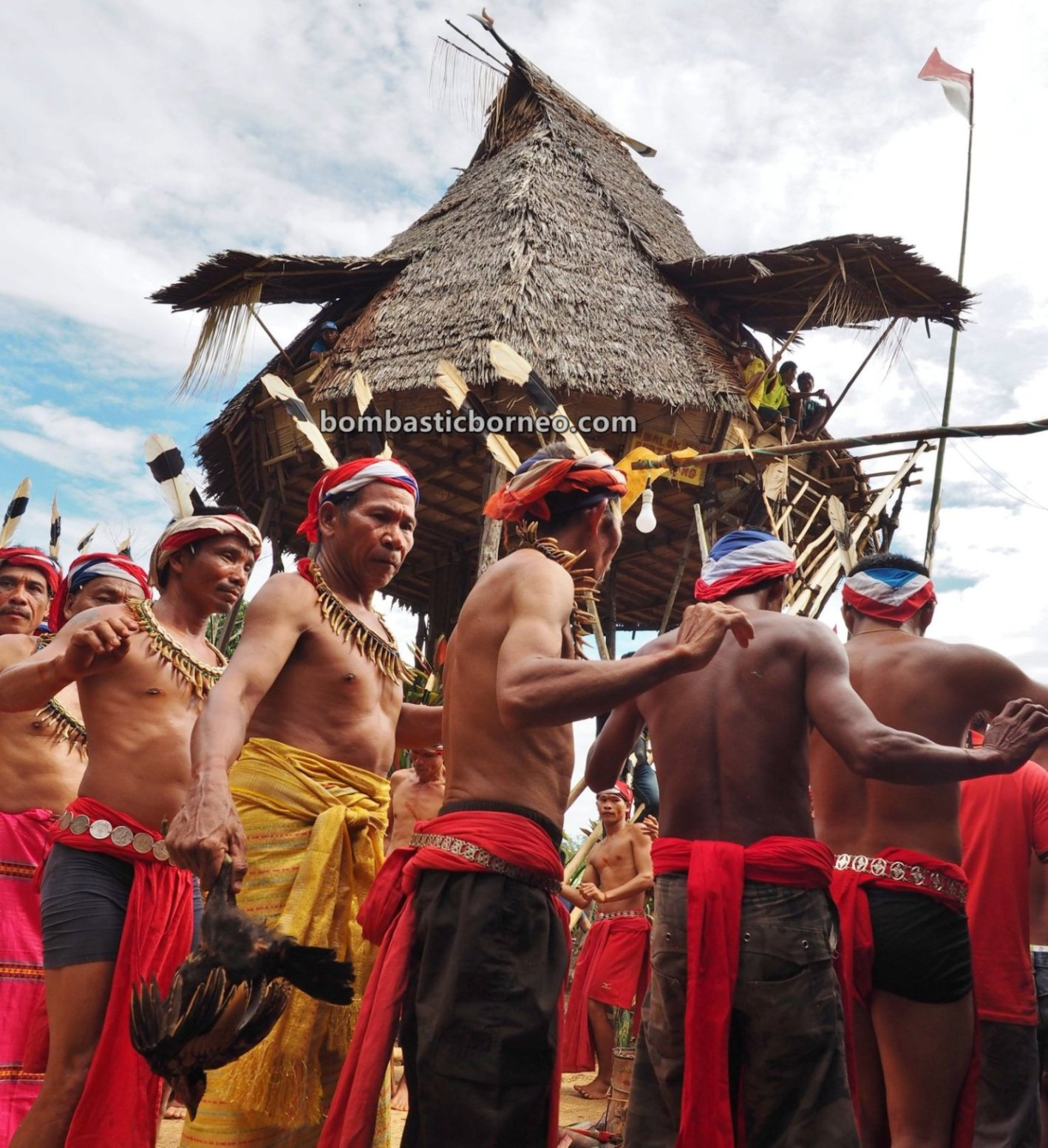 Nyobeng Rambai, Gawai Harvest Festival, authentic, backpackers, culture, Indonesia, West Kalimantan, Bengkayang, Desa Sahan, Dayak Bidayuh, indigenous, Rumah Adat Baluk, Obyek wisata, Tourism, travel guide, Borneo