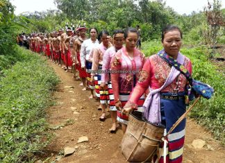 Nyobeng Rambai, Paddy Harvest Festival, authentic, village, backpackers, Indonesia, Kalimantan Barat, Bengkayang, Desa Sahan, Dayak Bidayuh, Native, indigenous, Tourism, travel guide, cross border, Borneo