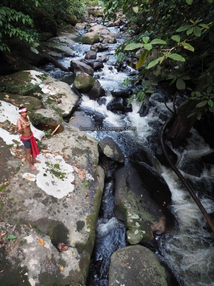 adventure, waterfall, village, backpackers, destination, Indonesia, Desa Sahan, Seluas, Obyek wisata, Tourism, tourist attraction, travel guide, cross border, 印尼西加里曼丹, 孟加映原住民部落