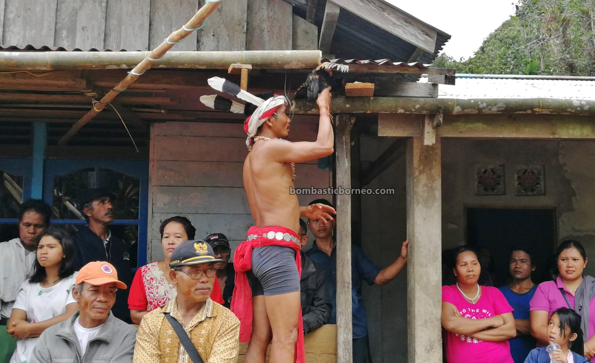 Paddy Harvest Festival, authentic, backpackers, village, budaya, culture, Bengkayang, Seluas, tribe, Dsayak Bidayuh, Tourism, cross border, Borneo, 婆罗洲西加里曼丹, 孟加映比达友族部落, 印尼土著传统文化
