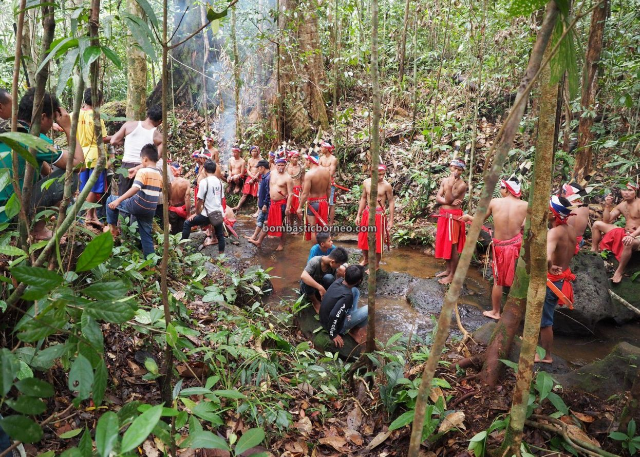 Skull washing, Nyobeng Rambai, Gawai Harvest Festival, adventure, traditional, destination, Desa Sahan, Dayak Bidayuh, event, Tourism, tourist attraction, travel guide, Borneo, 跨境婆罗洲游踪, 印尼西加里曼丹, 孟加映原住民部落,