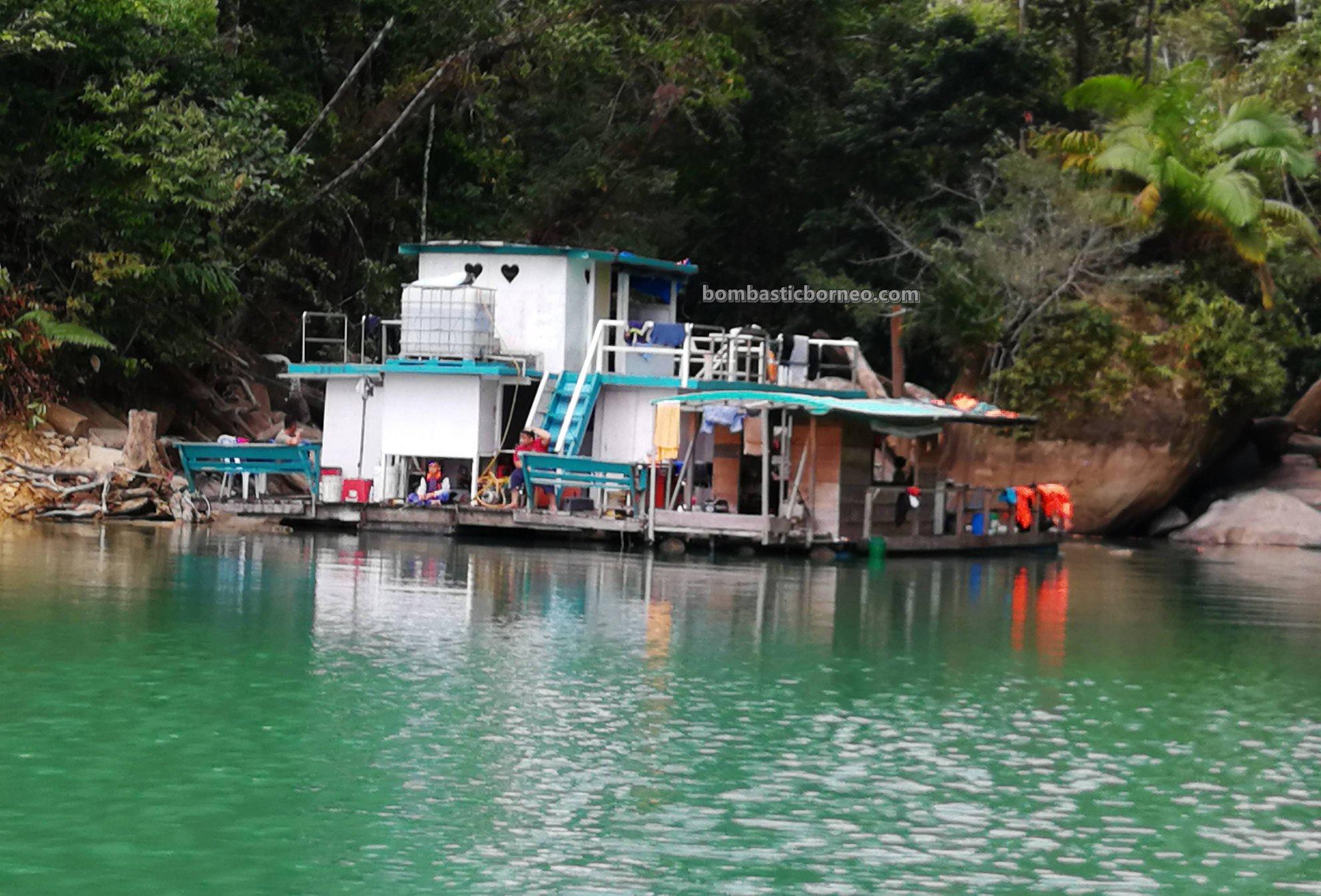 Bakun Hydroelectric Power Dam, empangan, floating house, rumah terapung, fishing trip, memancing ikan, Belaga, Kapit, Malaysia, Tourism, tourist attraction, travel guide, Borneo, Sarawak, 马来西亚钓鱼之旅