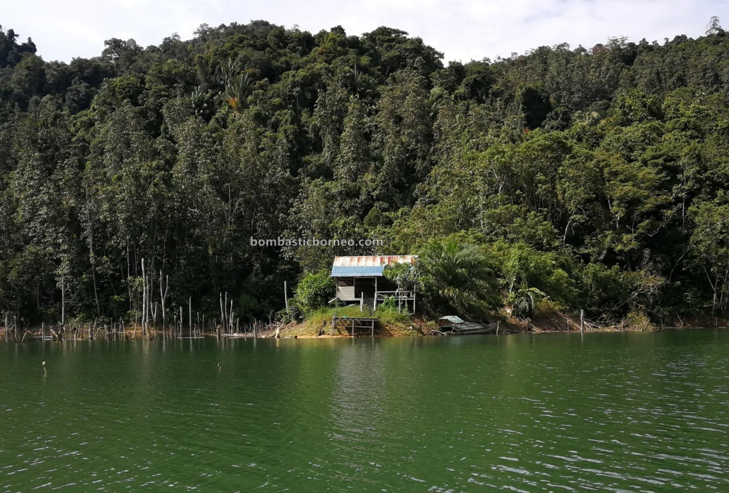 Hydroelectric Power Dam, empangan, backpackers, traditional, fishing trip, Memancing ikan, Malaysia, Tourism, tourist attraction, travel guide, Cross Border, Borneo, 砂拉越峇贡水坝, 马来西亚钓鱼之旅,