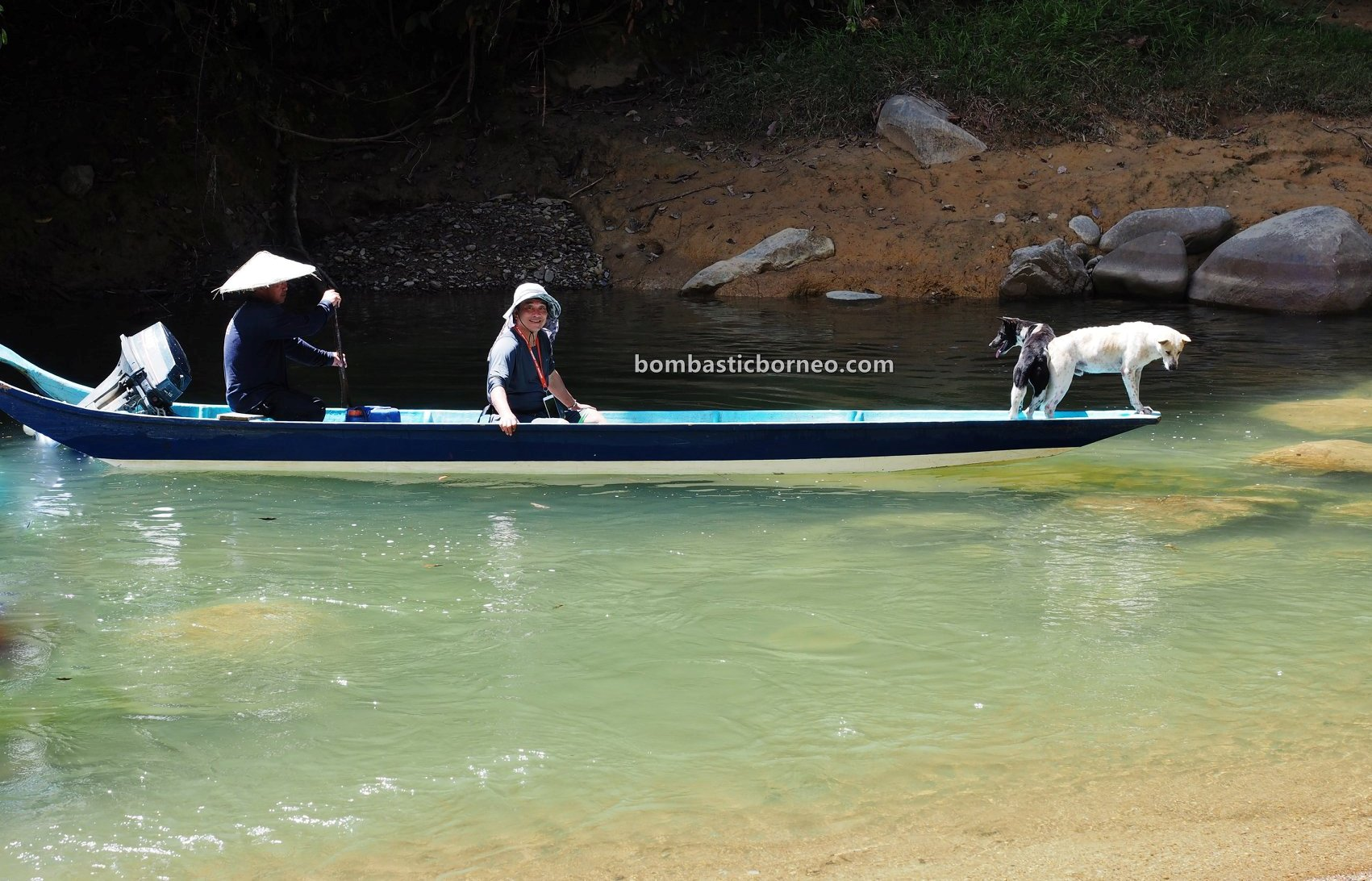 Embankment Dam, Balui river, traditional, fishing trip, dog hunting, Memburu, native, Orang Ulu, tourist attraction, travel guide, Trans Border, Borneo, 穿越婆罗洲游踪, 砂拉越钓鱼之旅, 巫拉甲马来西亚,