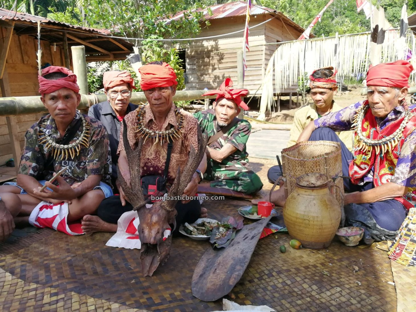 thanksgiving, destination, Culture, Indonesia, Kalimantan Barat, Desa Bengkawan, Dayak Kowon't, indigenous, native, tribe, Tourism, Travel guide, Trans Borneo, 婆罗洲比达友文化, 印尼西加里曼丹, 孟加映达雅丰收节,