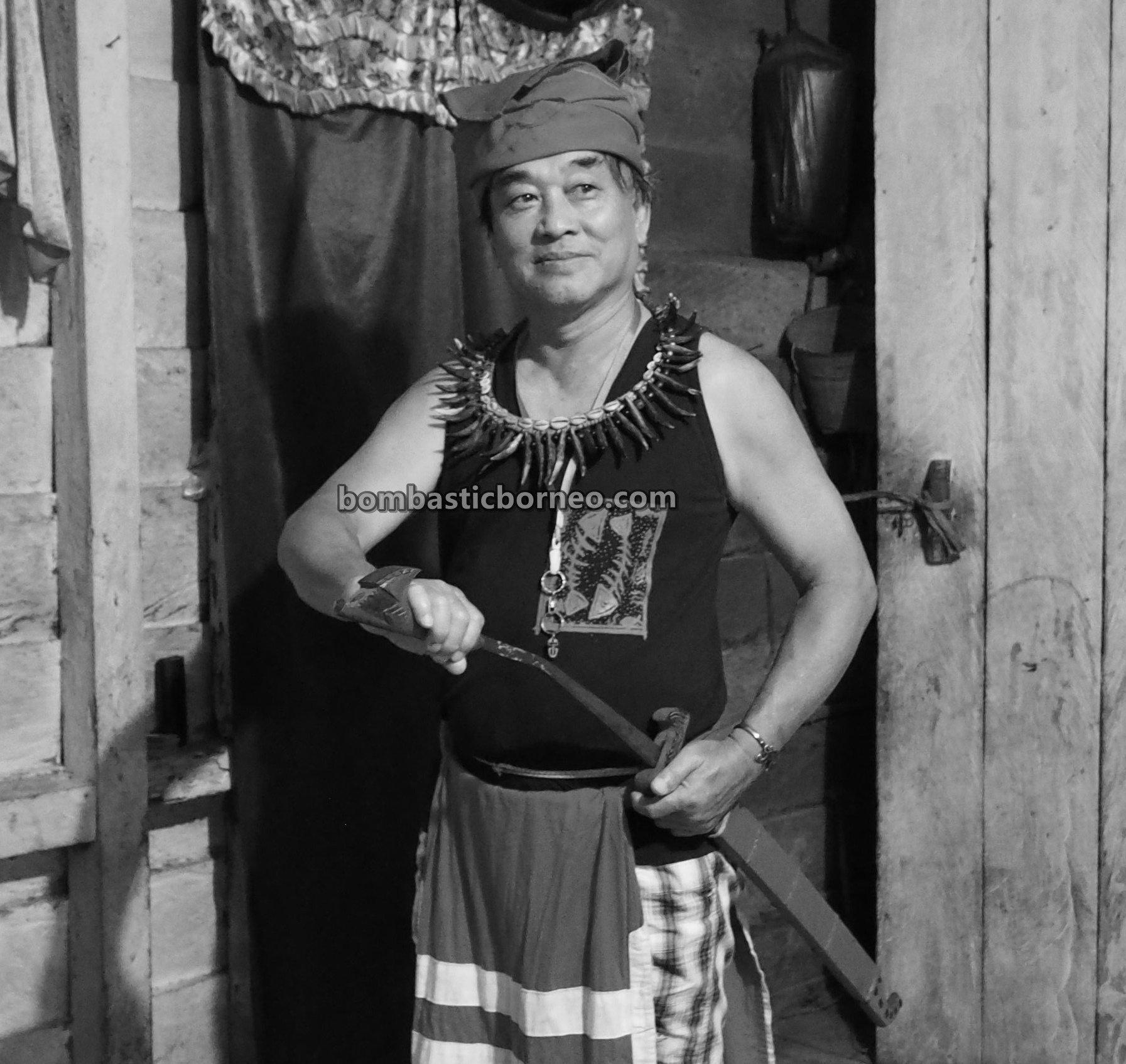Nyobeng Kambih, Gawai harvest festival, budaya, Indonesia, Bengkayang, Desa Bengkawan, ethnic, native, backpackers, Dayak Kowont, Tourism, Cross Border, 穿越婆罗洲游踪, 西加里曼丹达雅部落, 印尼孟加映文化