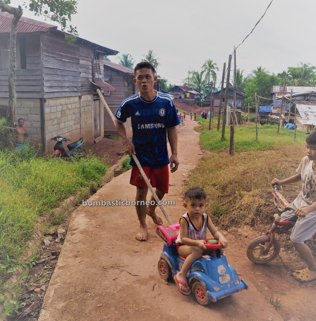 Dusun Tamong, Traditional, indigenous, village, Indonesia, Kalimantan Barat, Bengkayang, Siding, native, Dayak Bidayuh, tribe, Tourism, travel guide, cross border, Borneo