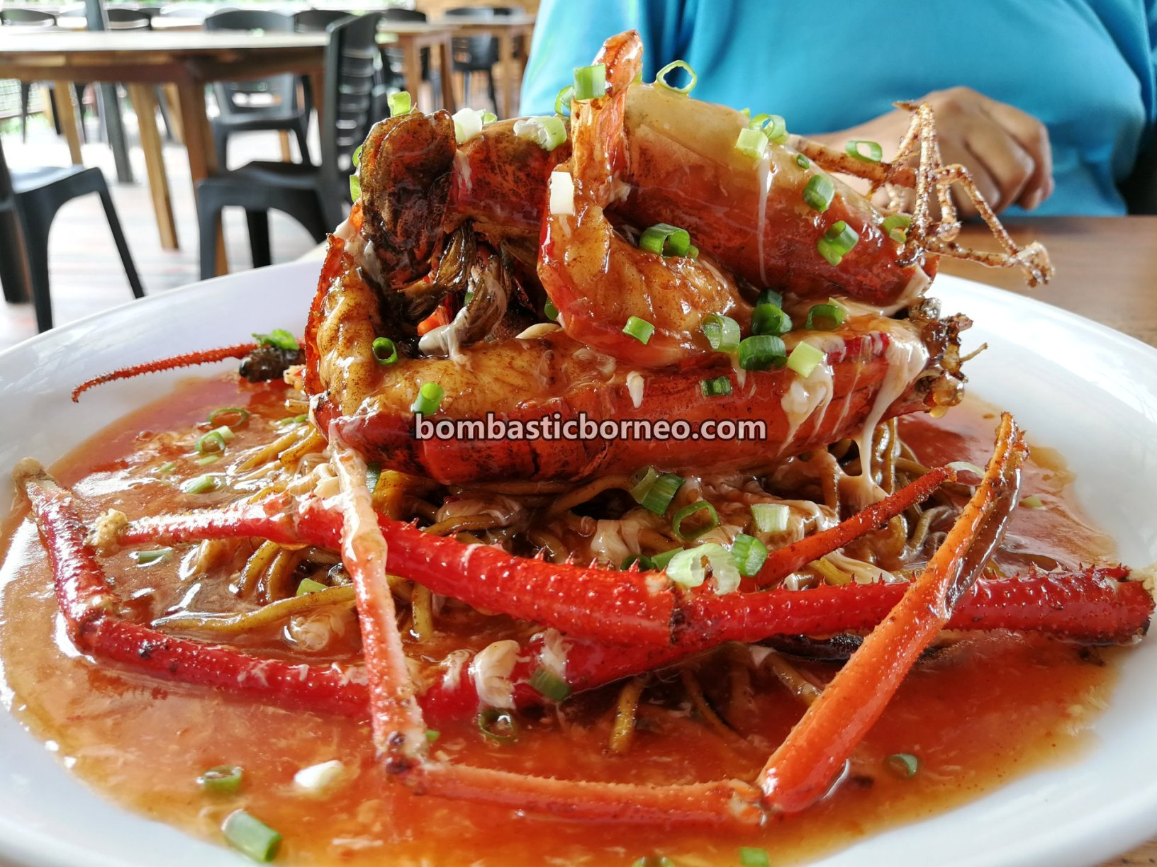 udang galah, Tomato Sauce Big Head Prawn, freshwater prawn, Blue Legged King Prawn, Giant Prawn, destination, food, exotic delicacy, Serian, Malaysia, Sarawak, Borneo, Tourism, tourist attraction, travel guide, 马来西亚淡水蓝脚虾