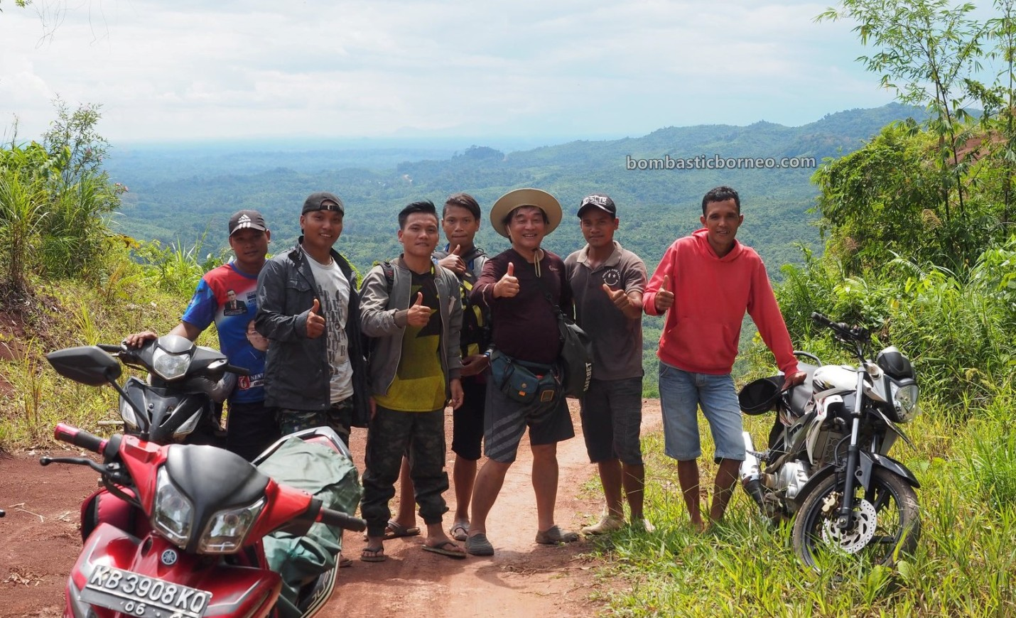 Desa Tamong, highland, village, backpackers, exploration, Gawai Padi, Kalimantan Barat, Bengkayang, Siding, native, Dayak Bidayuh, travel guide, 探索婆罗洲游踪, 印尼西加里曼丹, 孟加映土著部落